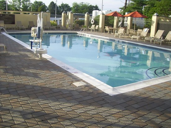 Hilton Hasbrouck Heights / Meadowlands: pool