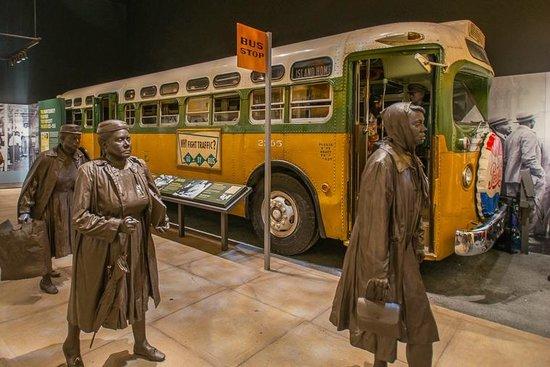 National Civil Rights Museum - Lorraine Motel: Rosa Parks Bus