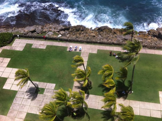 The Condado Plaza Hilton : Looking down from the 8th floor