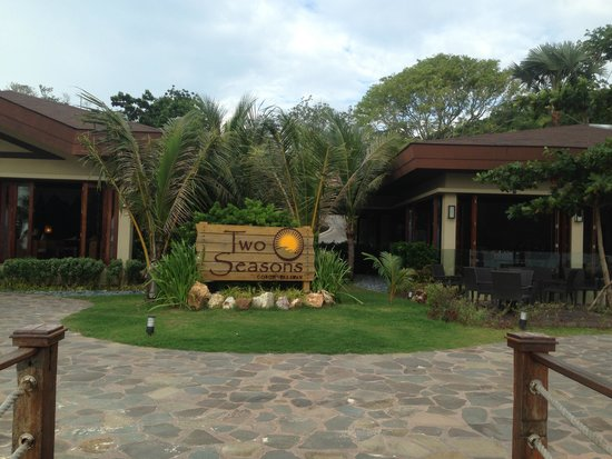 Two Seasons Coron Island Resort & Spa : Facade of Two Seasons