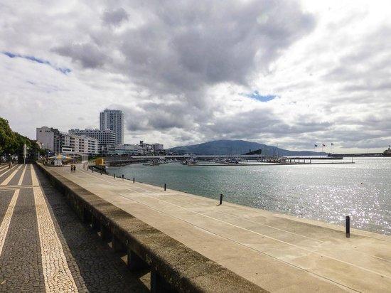 Hotel Marina Atlantico: Ponta Delgada waterfront looking toward Marina Atlantico from Campo de São Francisco
