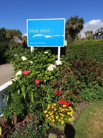 Blue Seas Hotel: welcome sign