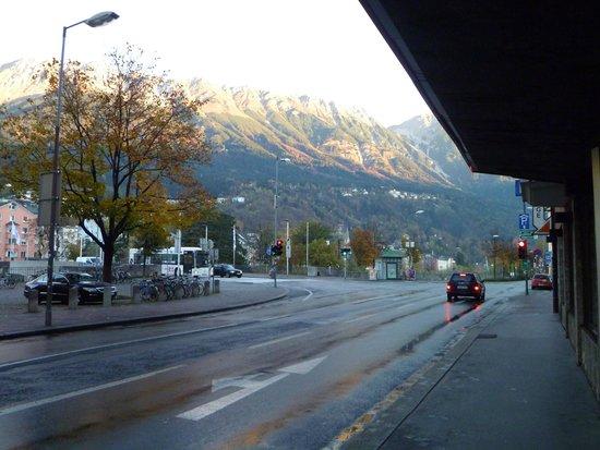 Hotel Innsbruck: vista desde la entrada del hotel