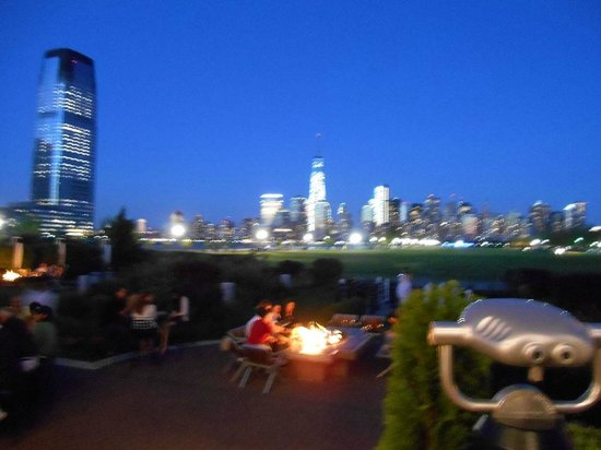 Maritime Parc : Vista de Manhattan anocheciendo 2