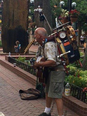 Street Performer on Pearl Street Mall