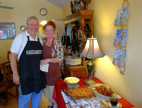 Black Bear Manor : Phil and Lucy Mims, our hosts