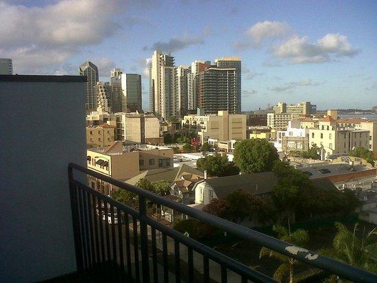 Porto Vista Hotel: desde la terraza con un area de reposeras y una vista espectacular del puerto