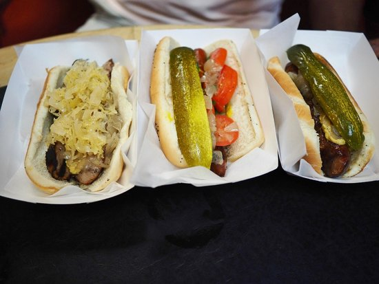 Hot Doug's Inc. : Thuringer, Chicago-style, and Bo Derek