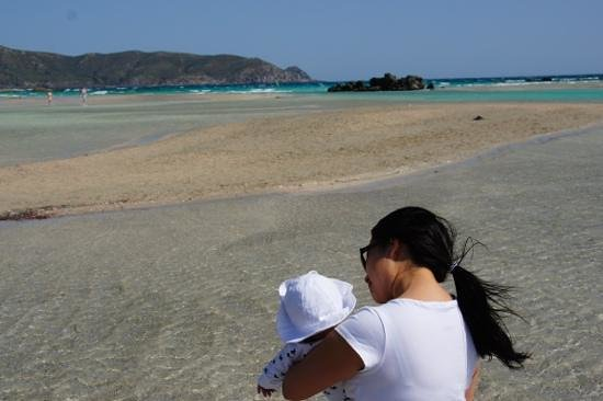 Plage d'Elafonissi : Shallow waters to wade through