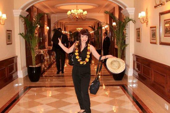 The Imperial Hotel : внутри отеля