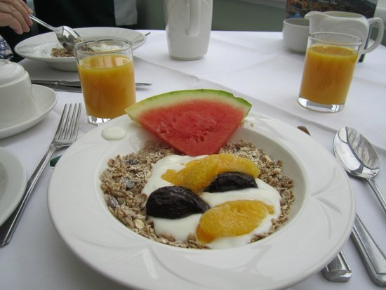 The Royal Victoria Hotel Snowdonia: Healthy Breakfast option
