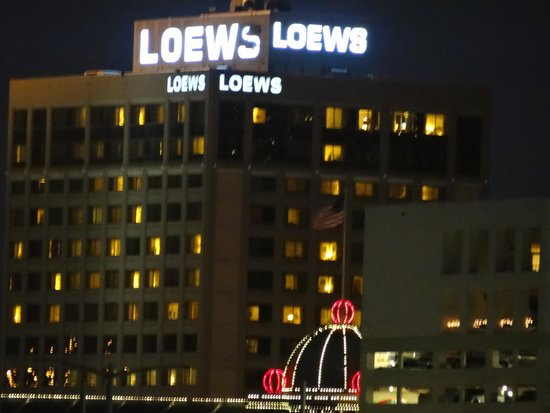 Loews New Orleans Hotel: You can see your room from the river.