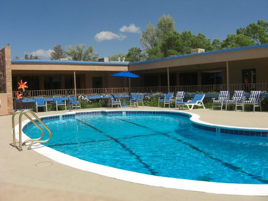 Garrett's Desert Inn : Pool area