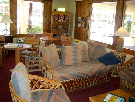 Garrett's Desert Inn: Lobby