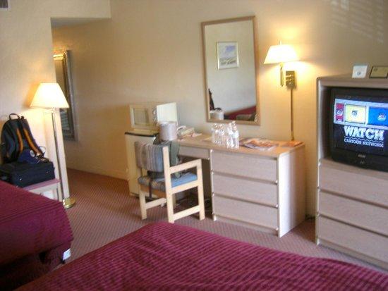 Garrett's Desert Inn: Our room