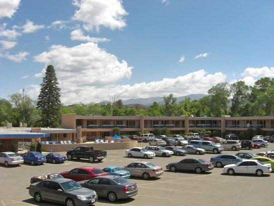Garrett's Desert Inn: Our view