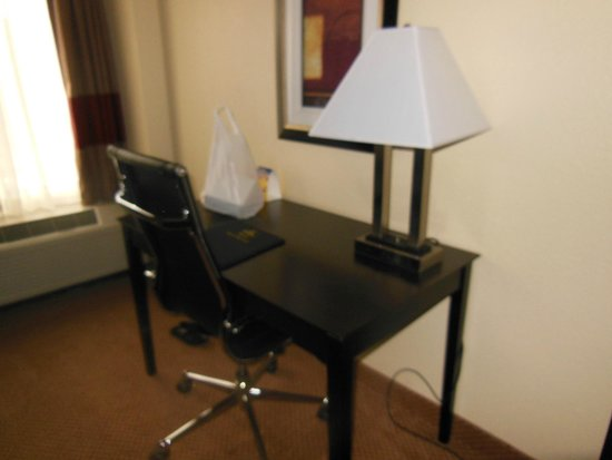 BEST WESTERN PLUS Denver Tech Center Hotel: work desk
