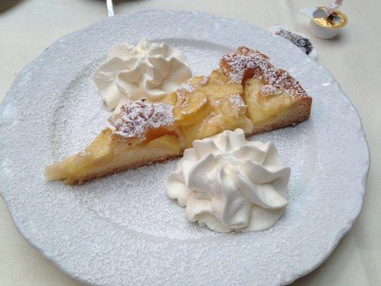 Zum Augustiner: Farm cake, deliciosa sobremesa.