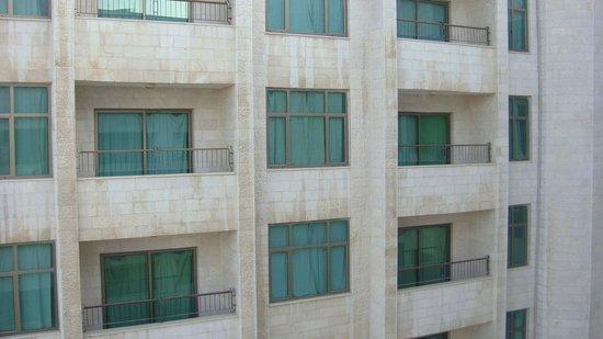 Days Inn Hotel Suites Amman: Habitaciones traseras