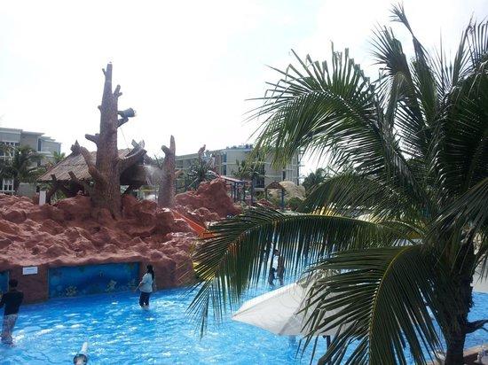 Splash Jungle Waterpark: three