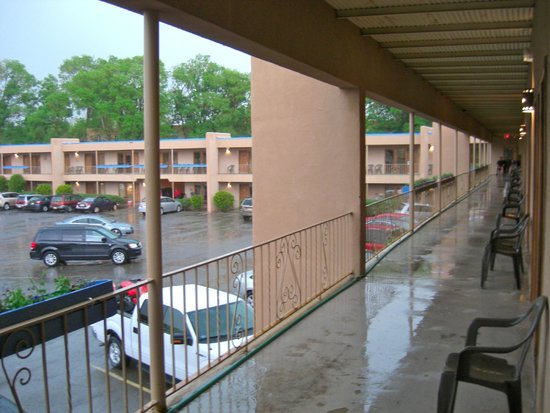 Garrett's Desert Inn : Hailstorm in June!!!