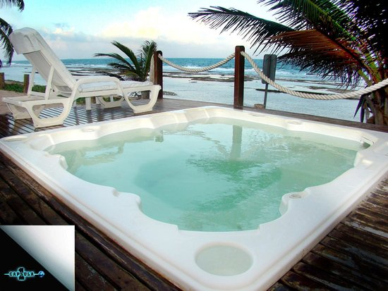Summerville Beach Resort: Jacuzzi com vista para a praia