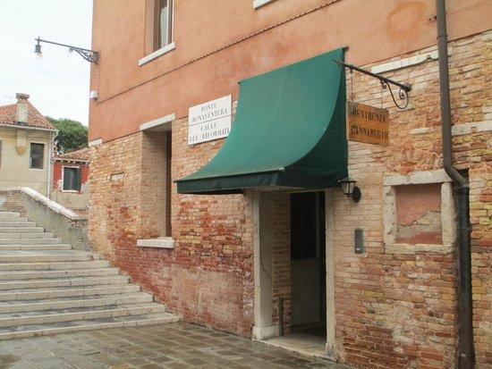 Eurostars Residenza Cannaregio: Unassuming hotel entrance