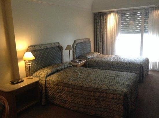Hotel Plaza del Sol: Habitación doble con sommier