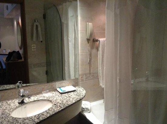 Hotel Plaza del Sol: Bañera con hidromasaje