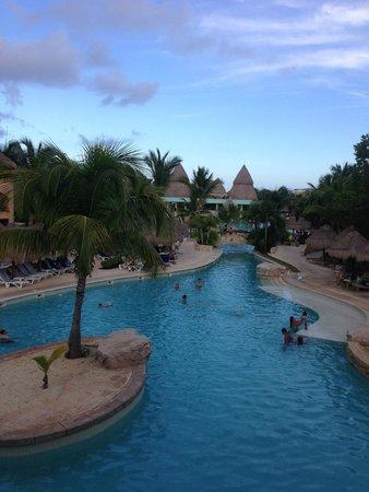 Iberostar Paraiso Maya: endless pool area