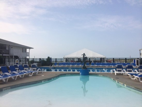 Red Jacket Beach Resort & Spa: Outdoor swimming pool