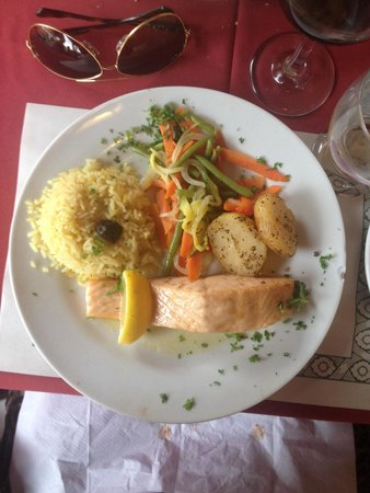 Restaurant Casablanca Francais: Salmon. Very delicious