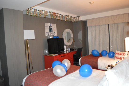 Kimpton Onyx Hotel: They decorated for my sons 16th birthday.