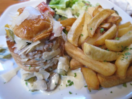 McGann's Pub and B&B: Vegetarian Puff Pastry