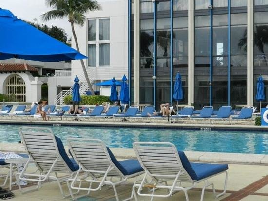 Miami Beach Resort and Spa: piscina