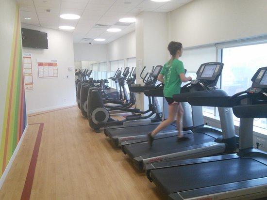 Sheraton LaGuardia East Hotel : gym