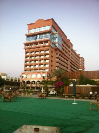 Sonesta St. George Hotel Luxor : Vista desde el Nilo