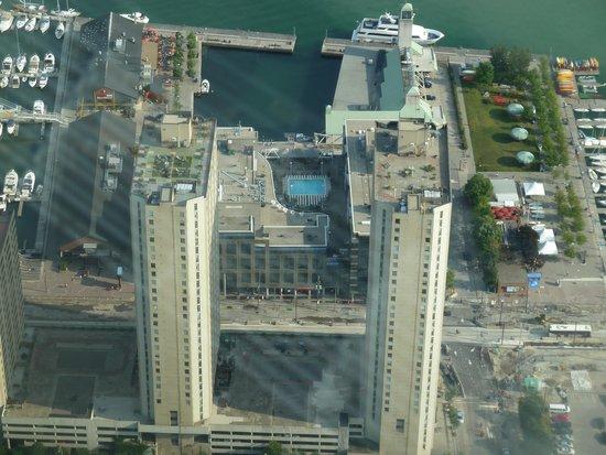 Radisson Admiral Toronto Harbourfront: Hotel vue de la CN Tower