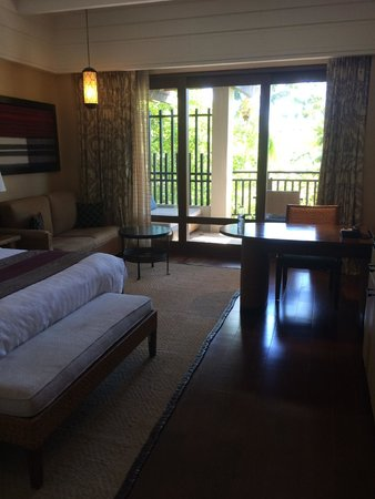 Shangri-La's Boracay Resort & Spa: room