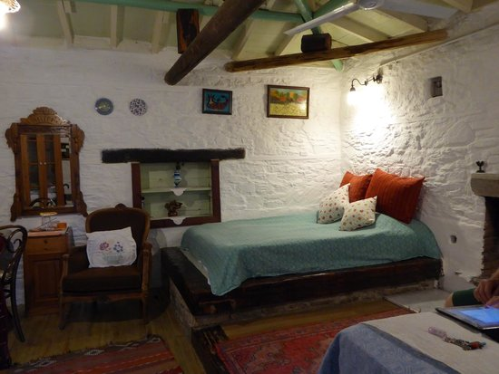 Nisanyan Evleri Hotel : Rustic style is deceptive, it is 10 years old, hand built by the owner