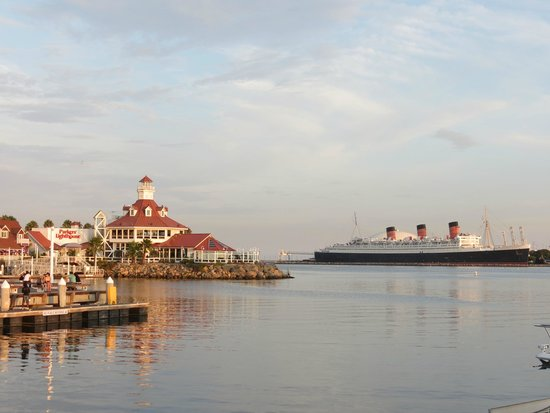 Dockside Boat and Bed : Parkers Lighthouse and Queen Mary