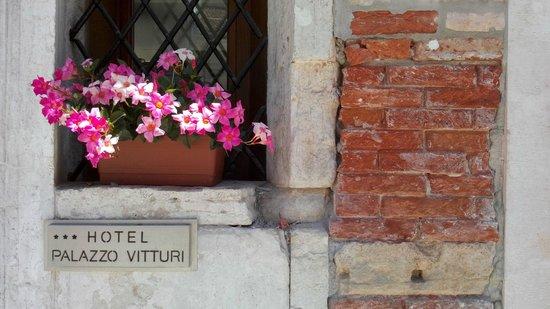 Hotel Palazzo Vitturi: close na fachada
