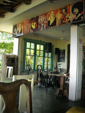 Emilio's Cafe: interior