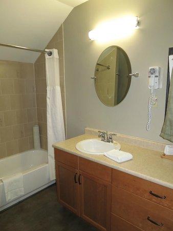 Tekarra Lodge : Beautiful new bathroom