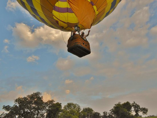 Monticello Country Ballooning: We're up and away!
