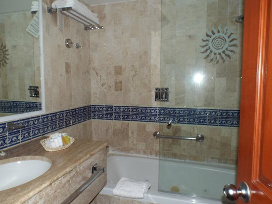 Grand Bahia Principe Tulum: bathroom