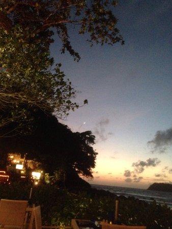 Re Ka Ta Beach Club: Sunset Spectacular