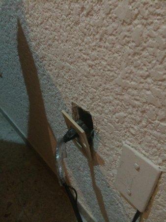 Condominios Carisa y Palma: Power socket just hanging about