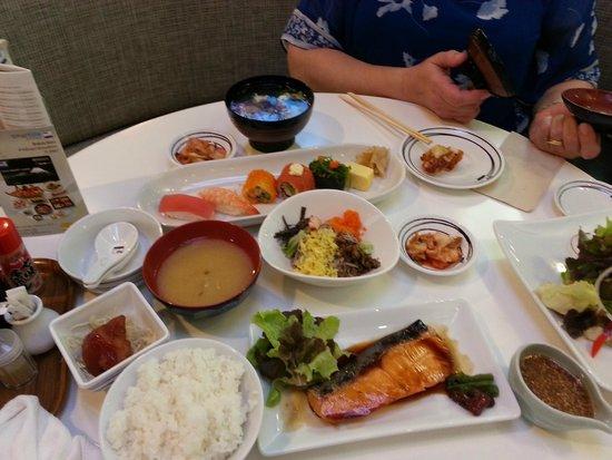 Fuji Japanese Restaurant - Jungceylon Patong: Fine selection at Fuji Japanese restaurant