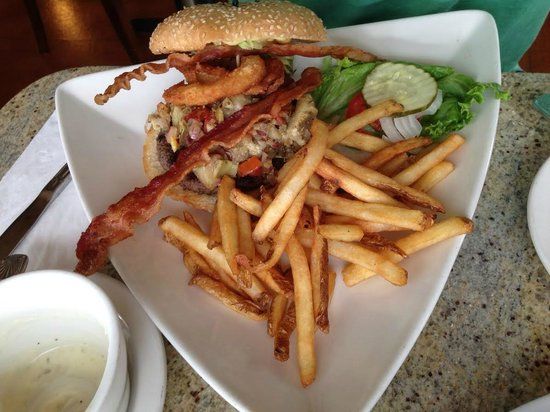 Giant Artichoke Restaurant: The Great Artichoke Burger